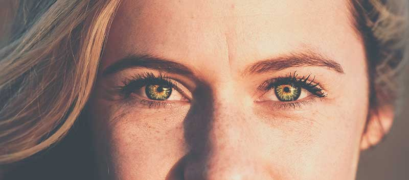 How to Use Eye Creams To Eliminate Wrinkles And Dark Circles
