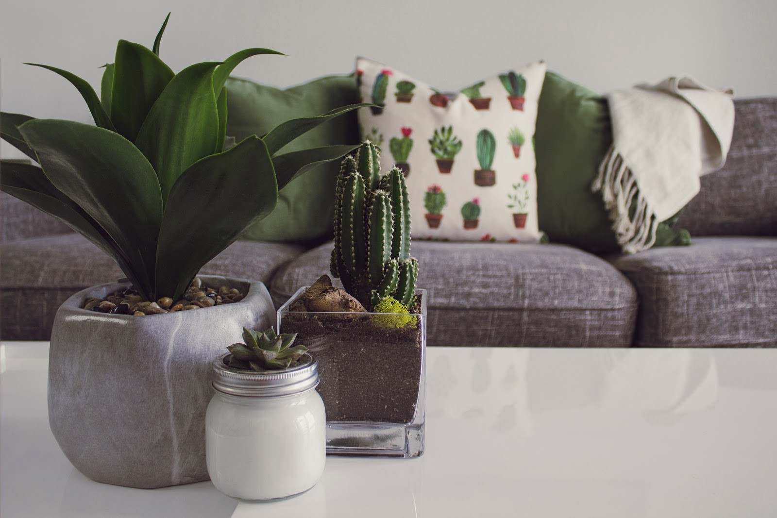 5 Must-Have Items This Fall For Your Living Room